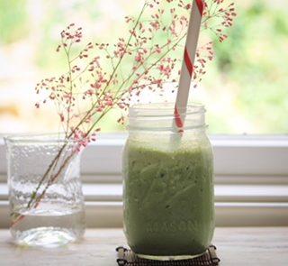matcha smoothie in a mason jar